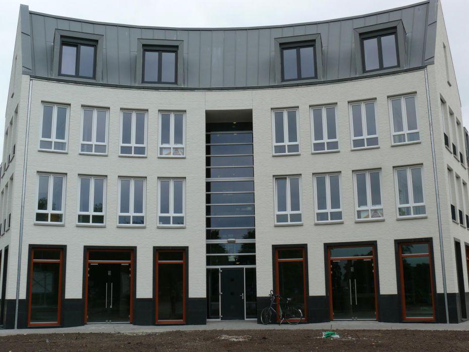 Winkelcentrum Beilen Borstweringen en omrandingen.